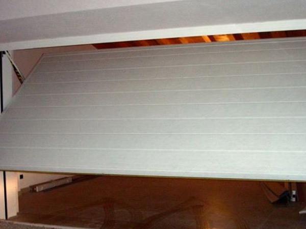 Dimensioni-porta-con-finestra-per-il-condominio-piacenza