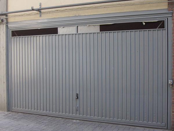 Preventivi-fornitura-porta-basculante-fiorenzuola-d-arda